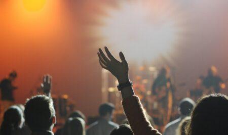 Cursos en vivo y en directo: cómo aprender y trabajar en oficios del espectáculo